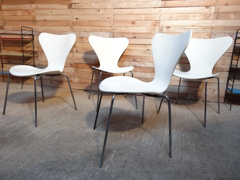 Fritz Hansen / Arne Jacobsen four chairs