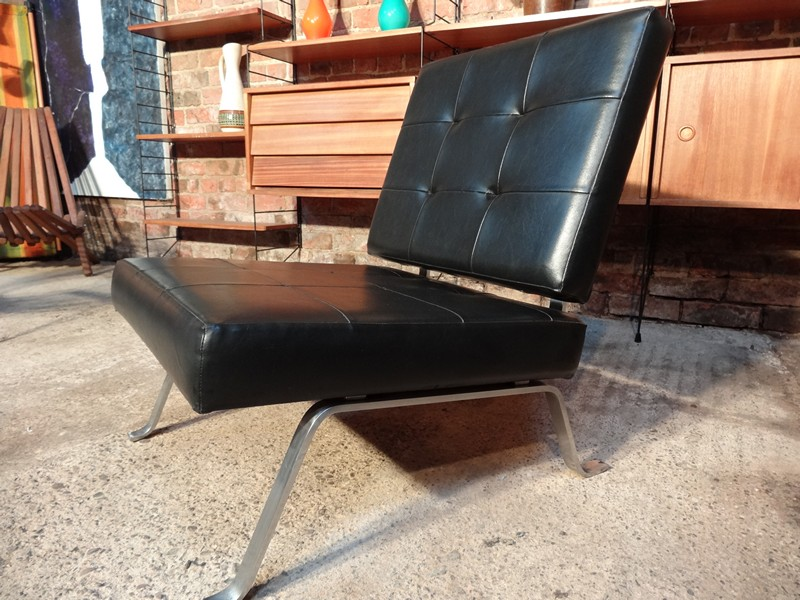 **sold**Norell Kjaerholm chair
