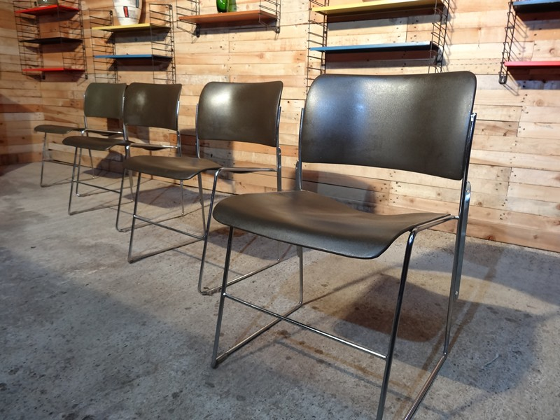 4 Rodney Kinsman for Beffeplast full metal Chairs