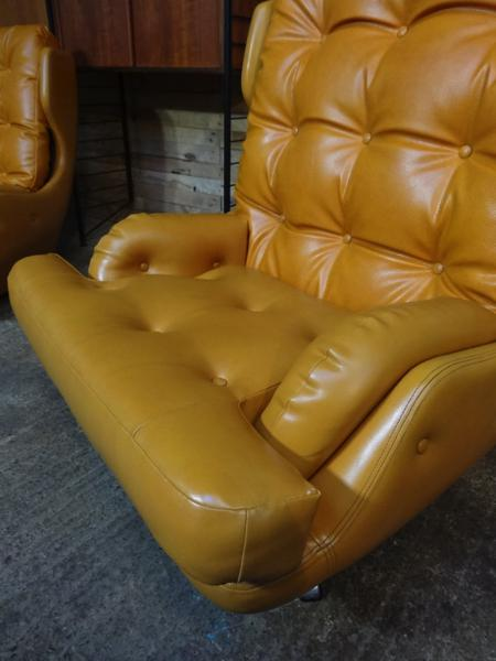 **SOLD**1950-60's yellow / orange retro swivel egg arm chair