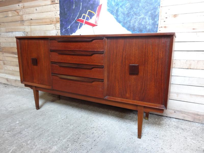 **SOLD**Retro Sideboard (160)