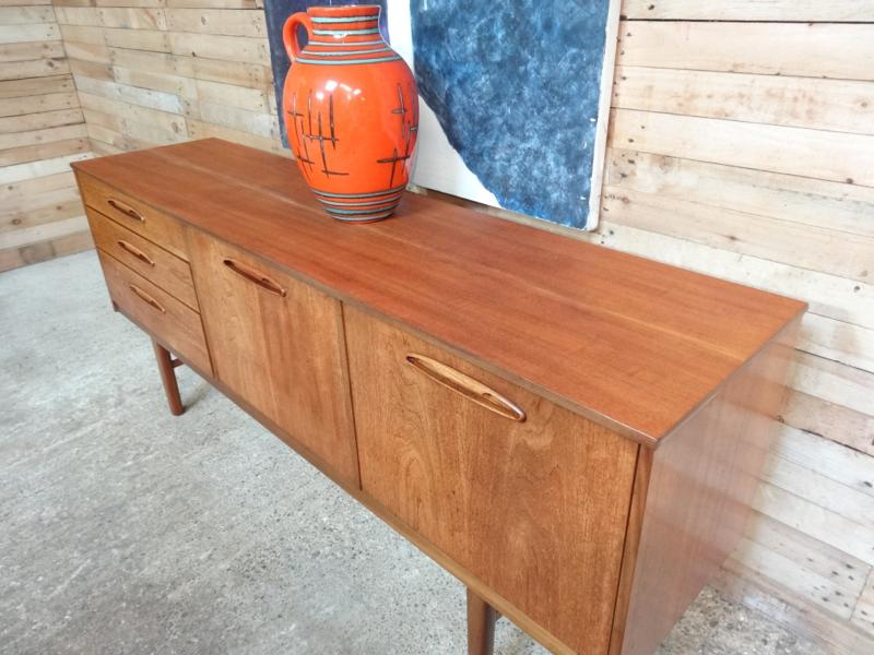 **SOLD** RETRO SIDEBOARD 103