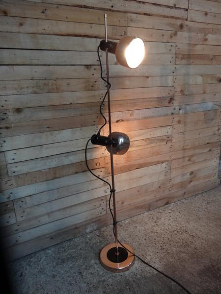 **SOLD**1970's freestanding coper / brass lamp