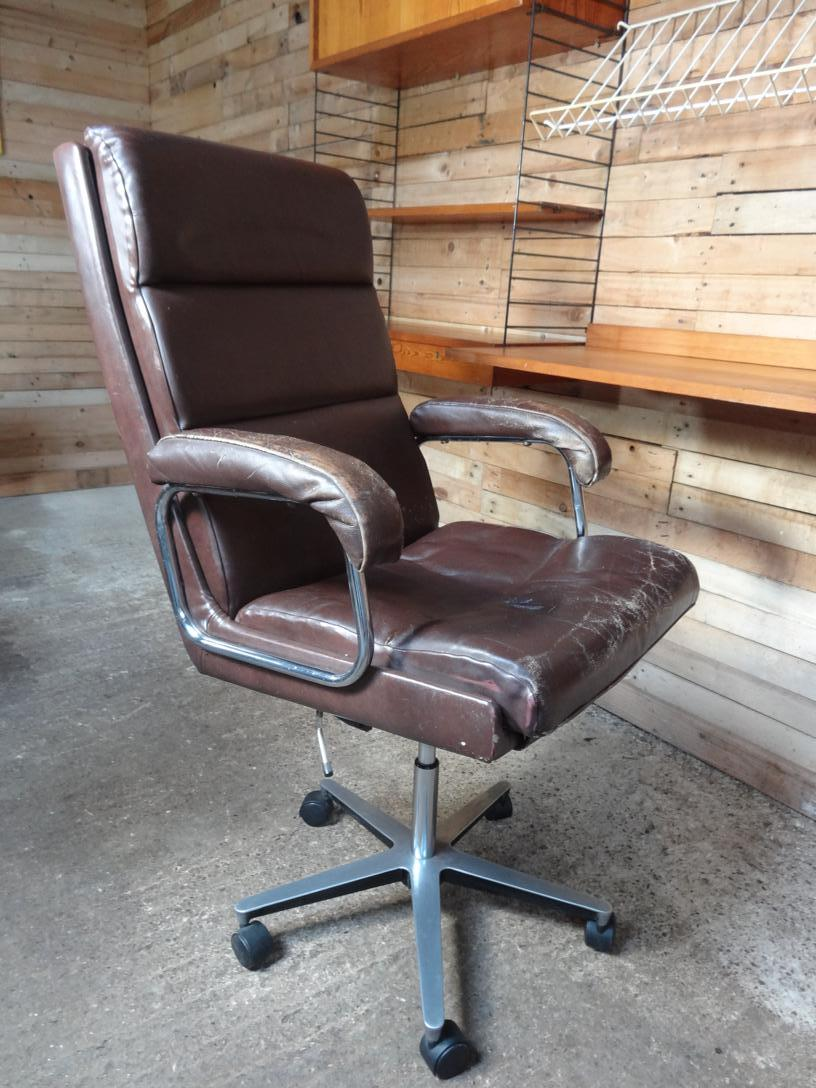 1960 swivel leather retro arm chair