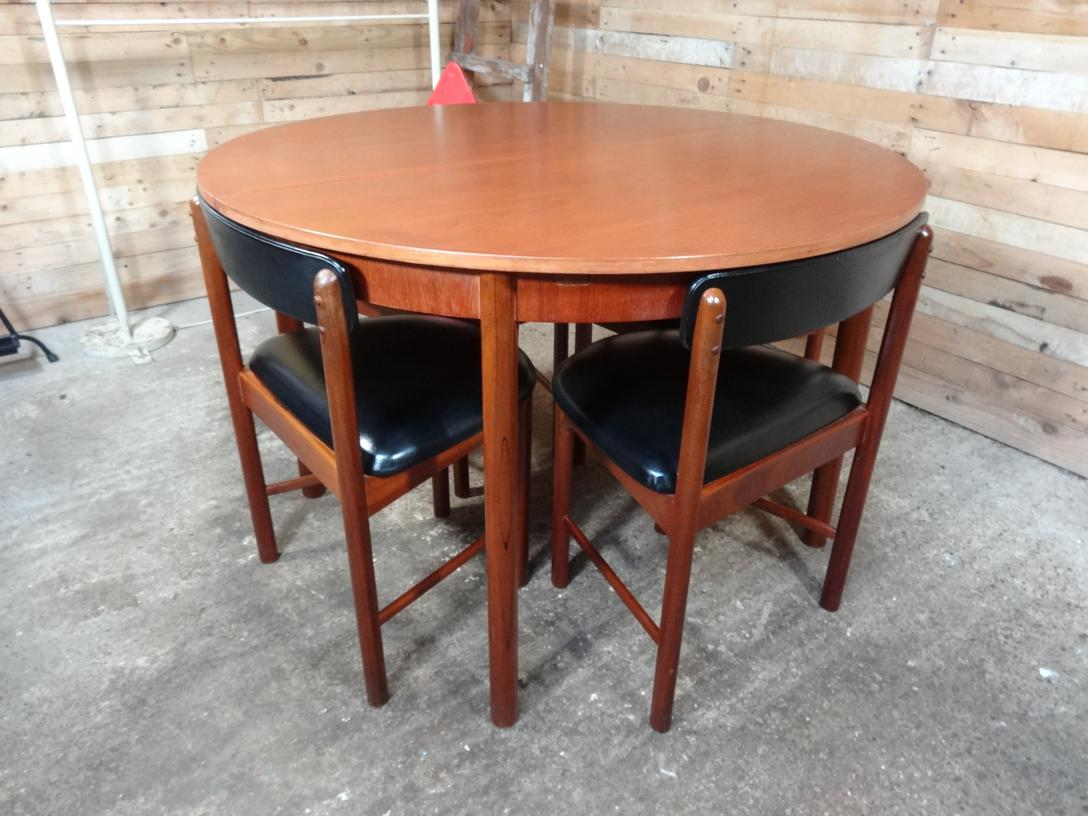 Price on request - 4 English Mcintosh Chairs and teak (extendable) table