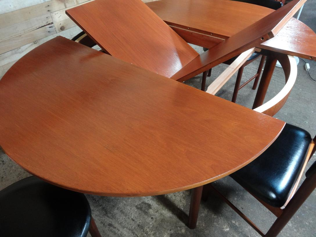 4 English Mcintosh Chairs and teak (extendable) table