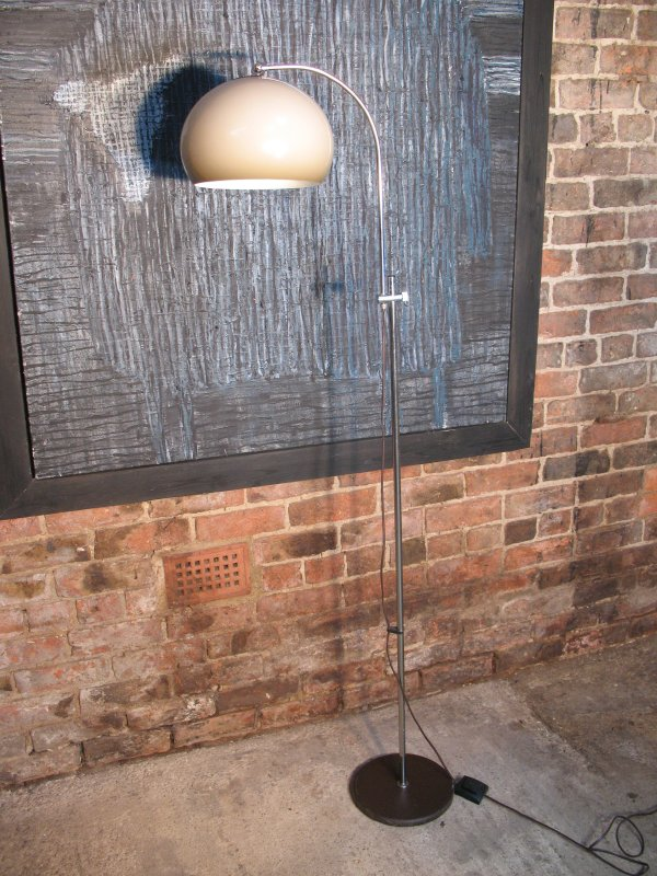 1970's freestanding lamp (Chrome)