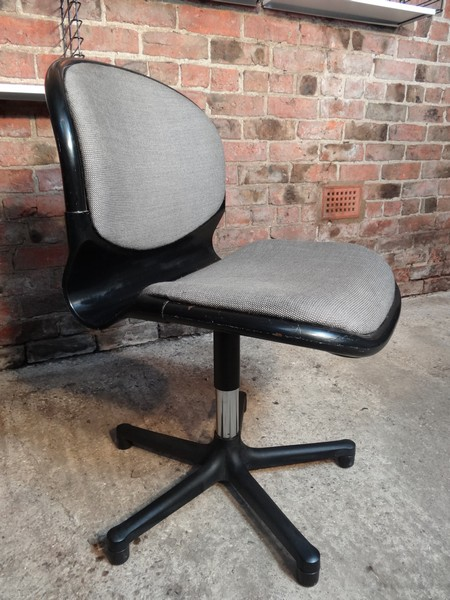 Dutch Thornet Office chair