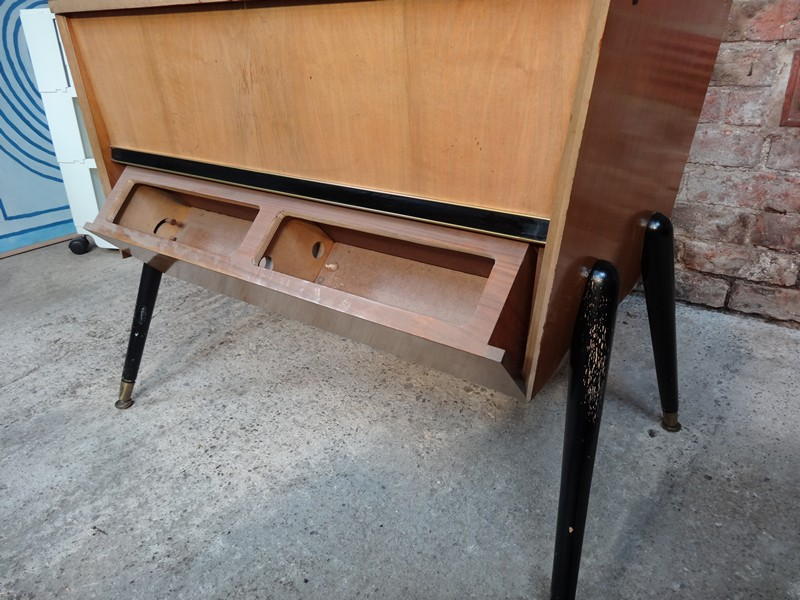 1950's TV stand / Sideboard