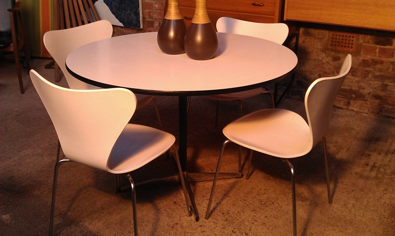 Fritz Hansen table with four chairs