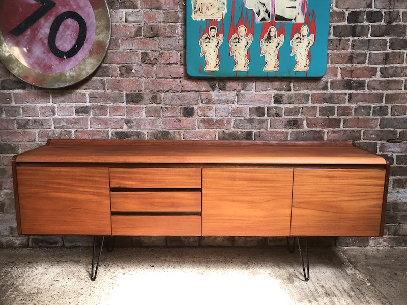 XXL Minimalistic Danish sideboard on metal hairpin legs (148)
