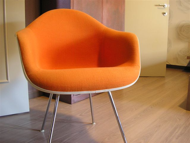 Delicieux *SOLD*Herman Miller Orange Fabric Vintage Chairs