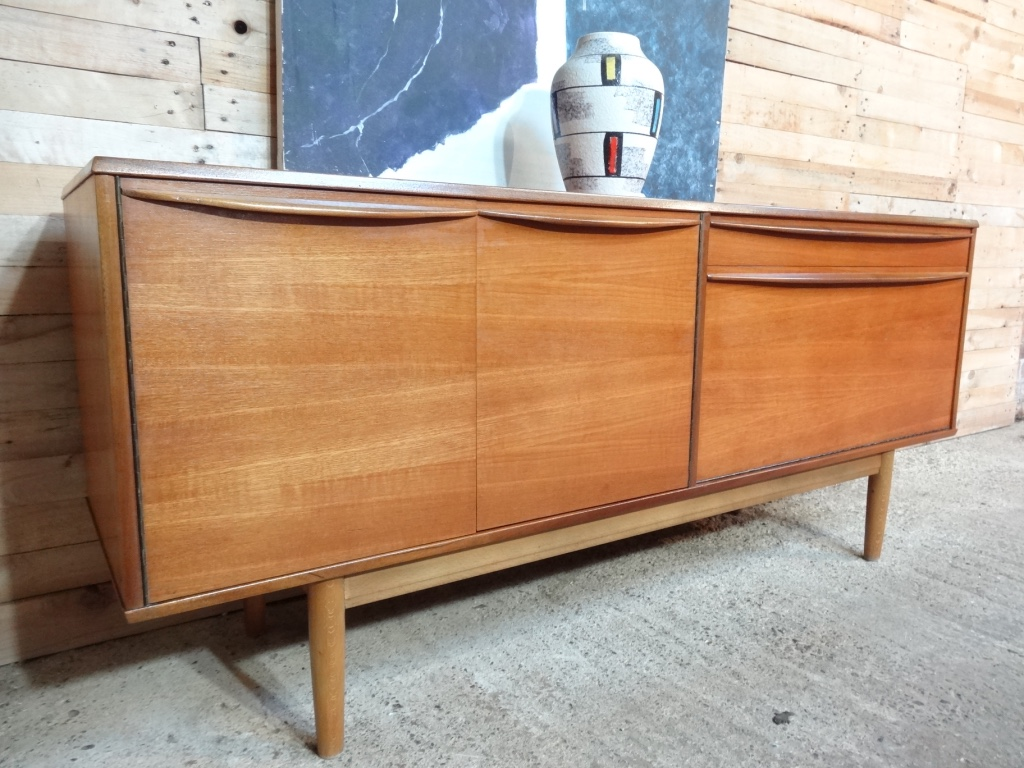 EU Vintage specialise in retro vintage 1960s furniture, teak retro sideboard, teakhouten retro