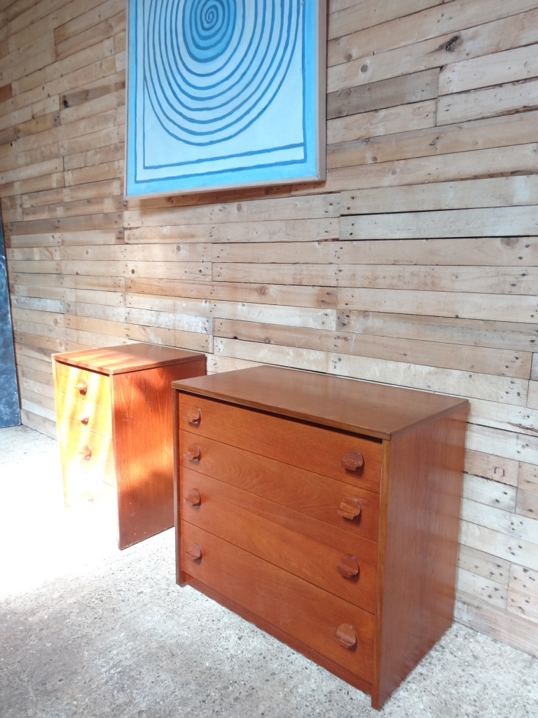 Larger 1960's teak chest of drawers in mint cond (a)