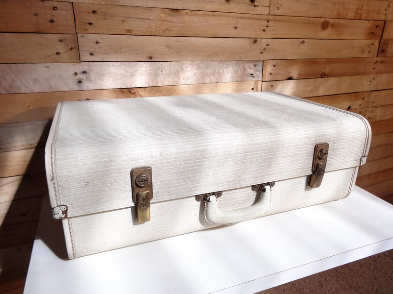 1950 Monarch Adjustable suitcase