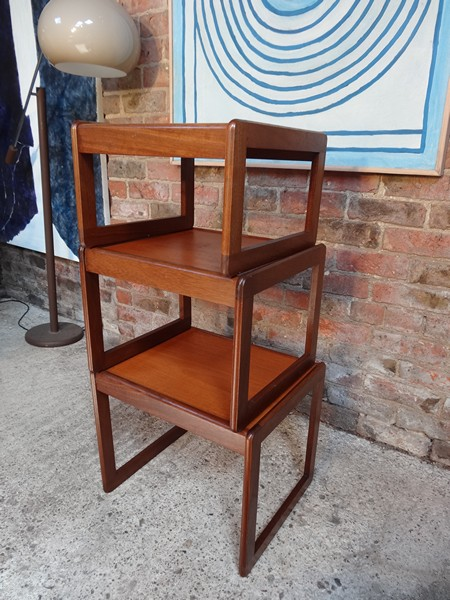 **SOLD**Nest of tables on lovely U shaped legs (3)