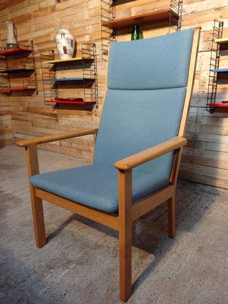 Hans Wegner solid oak arm chair (price on request)