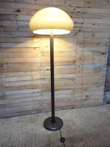 1970's freestanding mushroom shaped  lamp