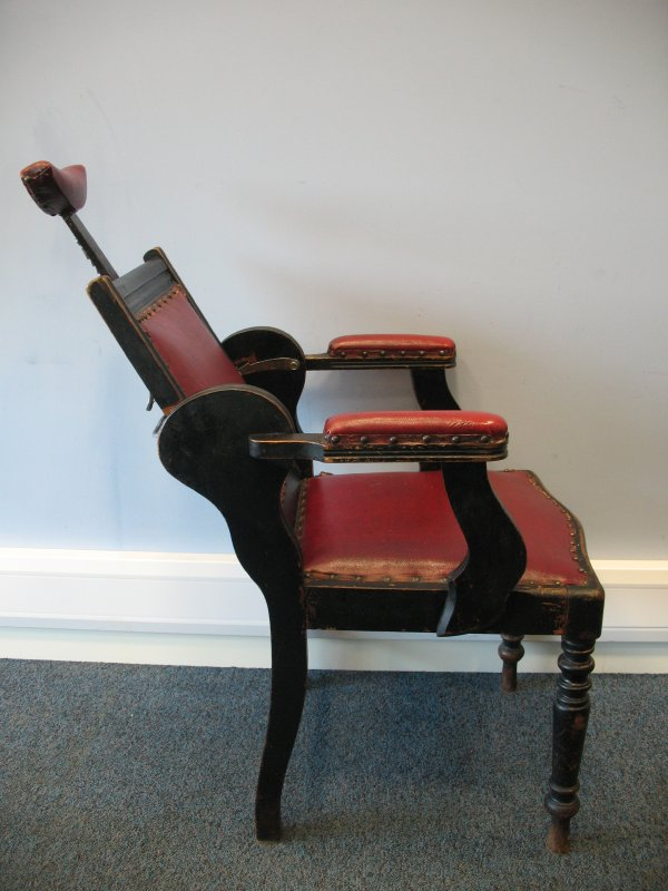 1850 adjustable Barber Chair