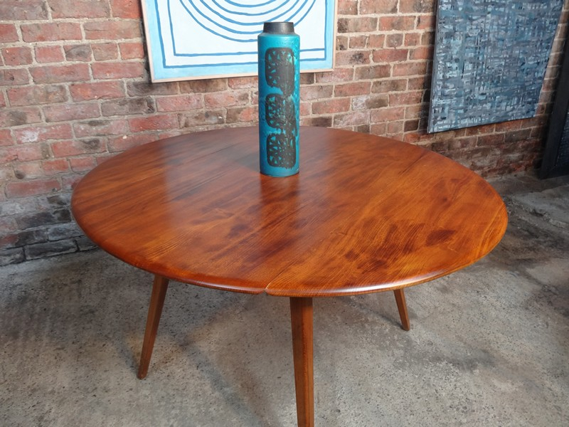**SOLD**Ercol extendable dropleave table