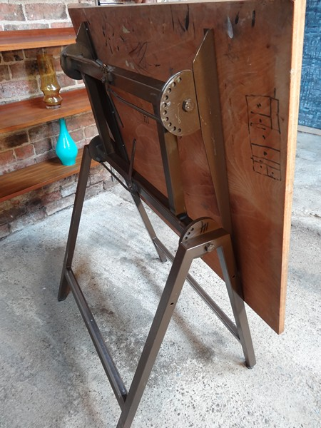Industrial drawings table with chair