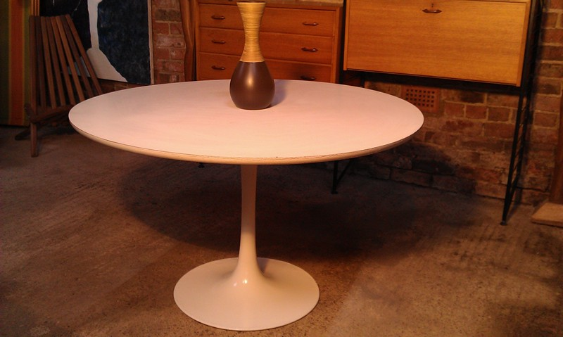 SOLD - Vintage Tulip dining table