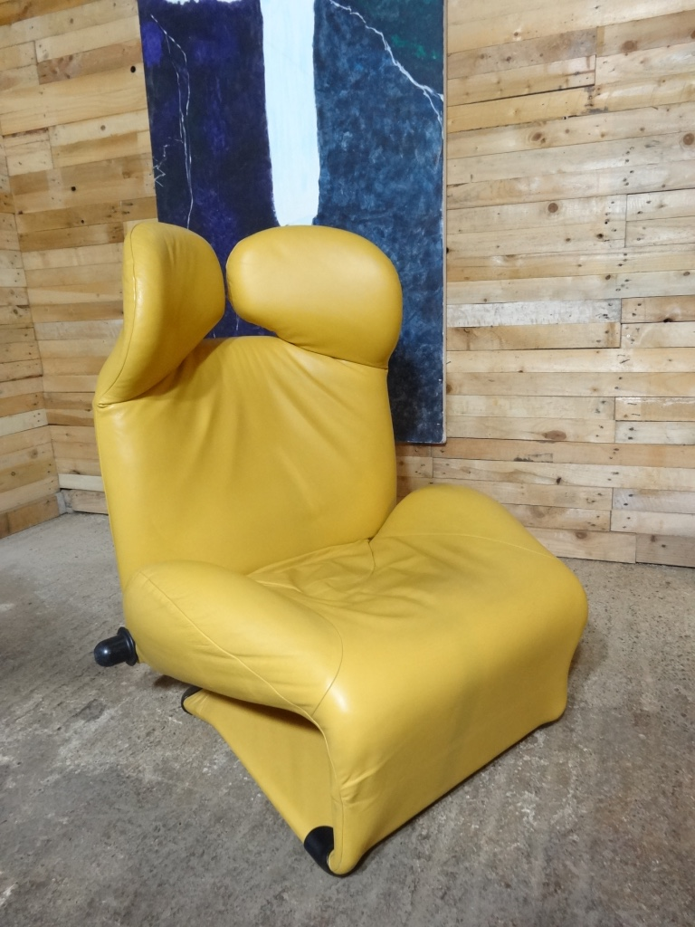 SOLD - Cassina ''Wink'' chair designed by Toshiyuki Kita (price on request)
